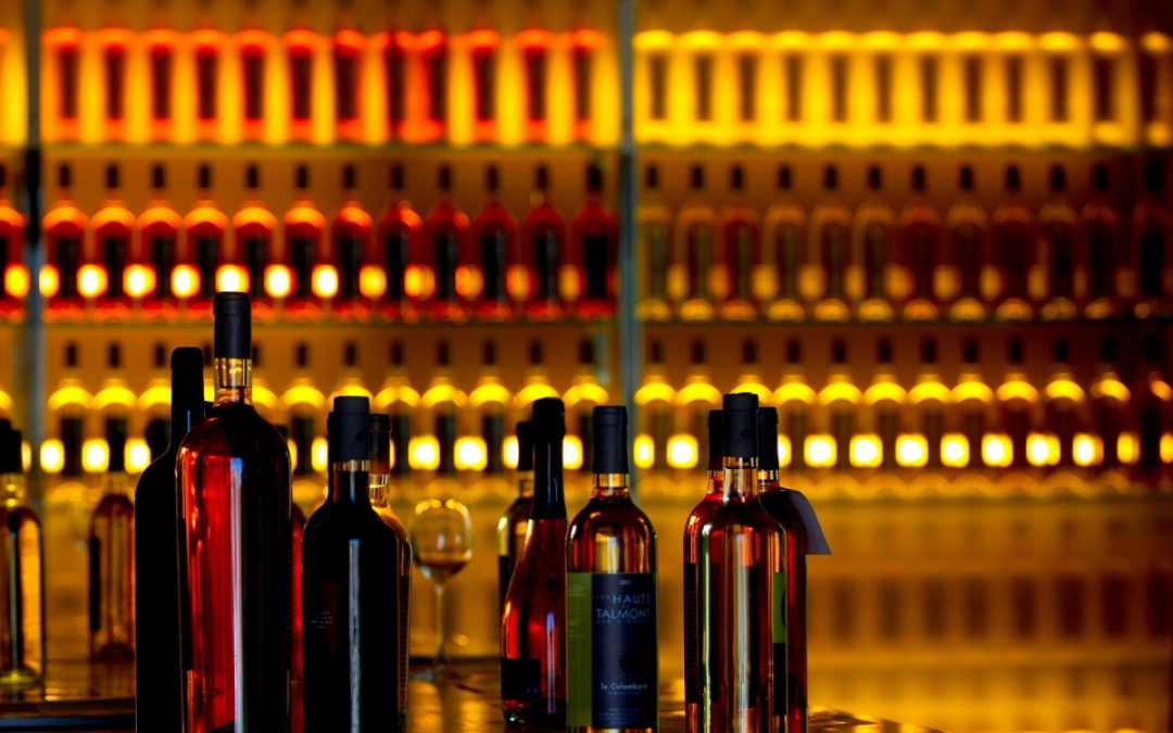 Akcesoria do wina – idealny pomysł na prezent