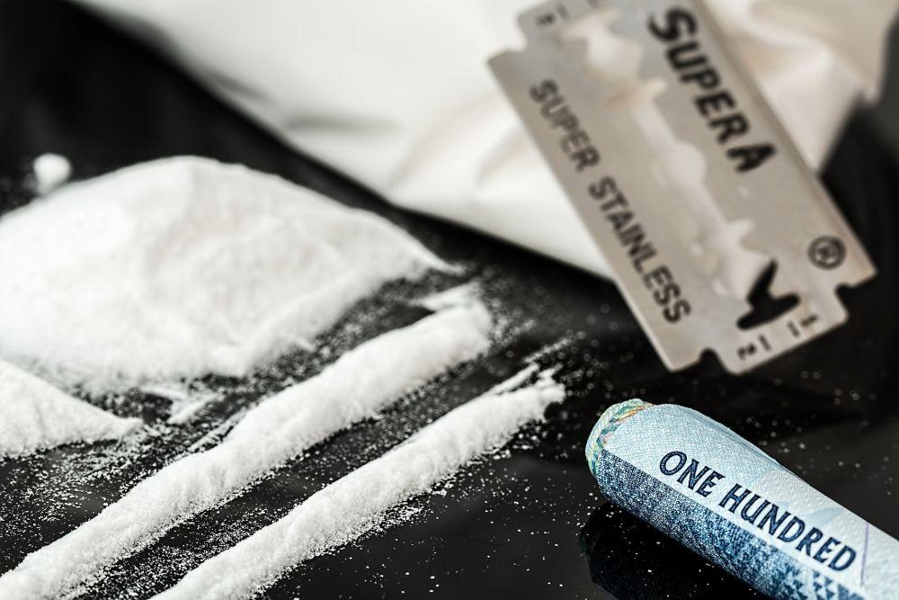 Narkomania – przyczyny i objawy