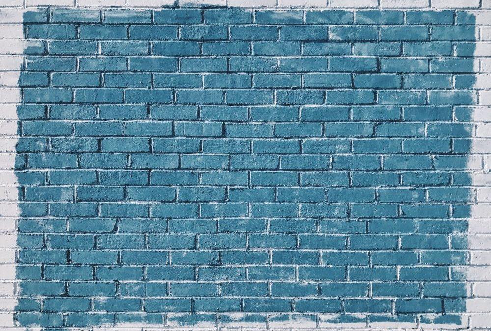 Płytki z cegły – czy pomalowanie ich na inny kolor to dobra decyzja?