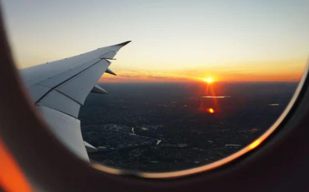 Jak dbać o soczewki w podróży?