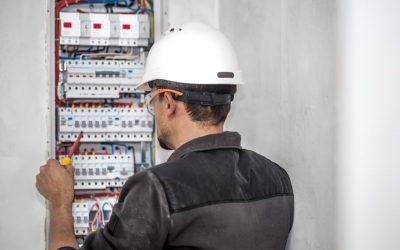 Jak zapisać się na kurs elektryka?