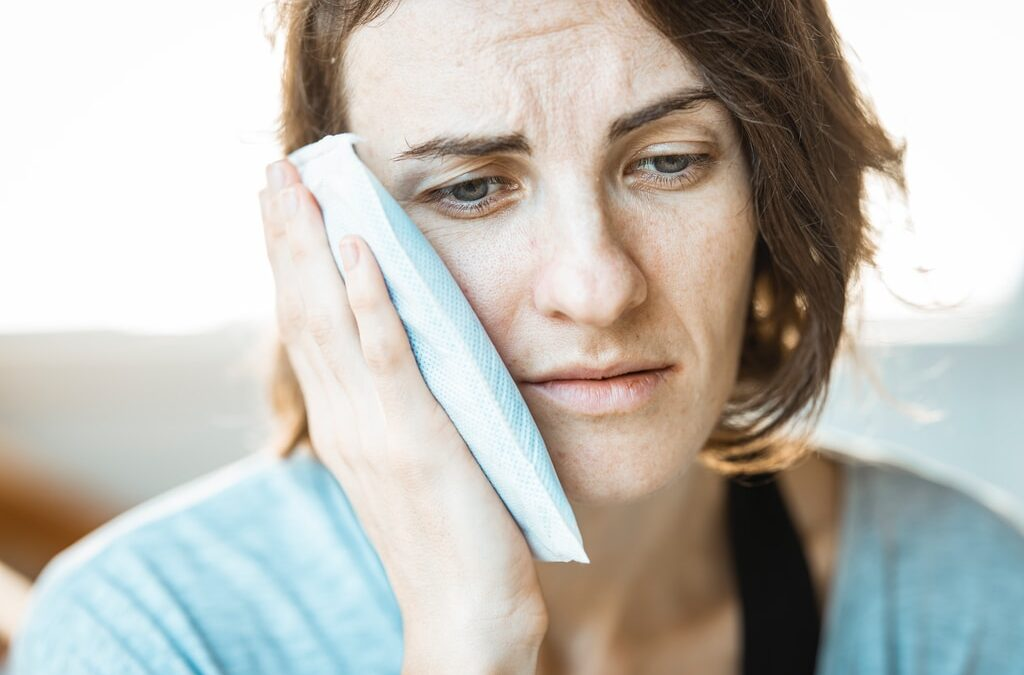 Ból uszu – czym bywa powodowany?